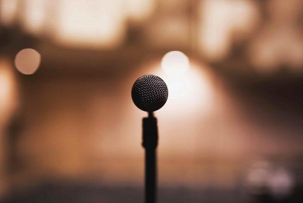 mic-stand-microphone